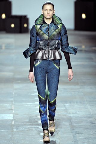 images/cast/10150541334292035=my job on fabric x=peter pilotto Fall 2012 london